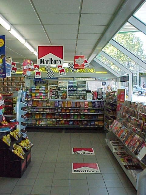 A service station in Swan St, Melbourne, 2001